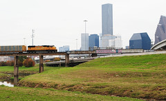 Union-Pacific 4119 Crosses White Oak Bayou & Boogies On Past Downtown Houston, Texas 1312081505 (Patrick Feller) Tags: union pacific railroad up rr railway train engine crosses bridge white oak bayou downtown houston harris county texas skyline graffiti 4119 up4119 pontist united states north america