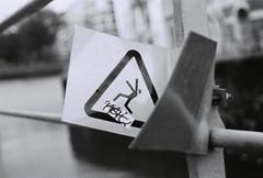 (CroytaqueCie) Tags: blackandwhite film danger photography photographie minolta noiretblanc ilfordhp5 lille ilford nord argentique filmphotography noyade filmisnotdead minoltadynax4 péril npdc istillshootfilm ladeûle believeinfilm flickrandroidapp:filter=none risquedenoyade