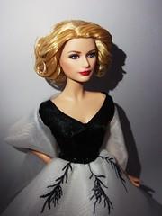 Regalitos de mi amor (L) (Gongotxiboy (Bitxu21)) Tags: model ooak barbie muse rearwindow customized custom basics mattel collector gracekelly barbiecollector modelmuse pinklabel barbiebasics