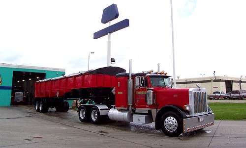 Dripping Wet Peterbilt