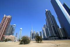 Dubai, building a city in the desert (Frans.Sellies) Tags: dubai day uae clear emirates unitedarabemirates  img0848