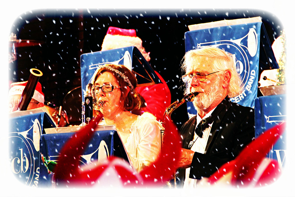 Liz and Gordon Hardlight and snow