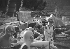 Once  we were robots (Kriegaffe 9) Tags: mannequin 50mm mono robot figure