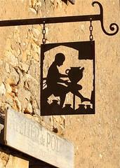 Atelier de poterie. (Gycess) Tags: france dordogne poterie enseigne canonef50mmf14usm aquitaine potier beynacetcazenac plusbeauxvillagesdefrance canoneos5dmarkii villageclass