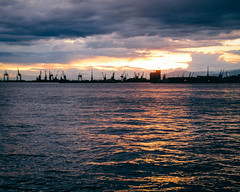 Thessalonique (Msile) Tags: sunset mer clouds port see harbour greece thessaloniki grce thessalonique