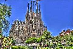 La Sagrada Familia - Barcelone (Skyline Studio Photo) Tags: familia architecture sagrada hdr barcelone