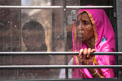 #41 Woman Faces: Traveler | Jaipur | India (Daniele Romeo) Tags: poverty travel portrai