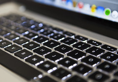 Retina (Anders Ljungberg) Tags: apple keyboard icons laptop 15 screen retina macbookpro