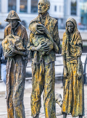 FAMINE MEMORIAL AT CUSTOM HOUSE QUAY IN DUBLIN [ARTIST - ROWAN GILLESPIE]-122170 (infomatique) Tags: famine greathunger faminememorial customhousequay northwall dublin ireland infomatique williammurphy rowangillespie
