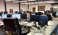 Hoy estrenando mi nueva mesa de trabajo (sukiweb) Tags: wordpress mesadetrabajo oficina