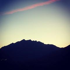 Fin de día entre León y Asturias (sergio.pereira.gonzalez) Tags: instagramapp square squareformat iphoneography uploaded:by=instagram xproii sergiopereiragonzalez leon castillayleon españa espagne spain canon montaña montagne mountain negron asturias asturies