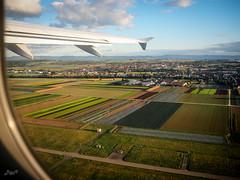 Steigflug (-BigM-) Tags: germany deutschland baden wrttemberg fildern stuttgart airport flughafen felder agrar start take off