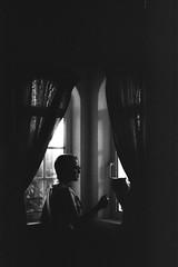(jm.duarte97) Tags: black white cat girl window human portrair portugal teen teens person