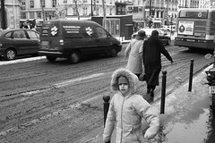 Paris (Cassio Piccolo) Tags: pretoebranco blackwhite street streetphotography rua fotografiaderua paris france monocromatico monochrome noiretblanc bianconero pb fotoderua