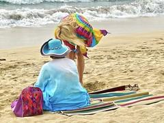 Colors on Kuta beach . (Franc Le Blanc .) Tags: panasonic lumix indonesia bali kuta pantai beach colors sit seated sitting vendor tourist people