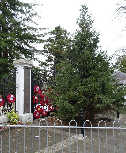 War Memorial Gates, Pontypool Park, Pontypool 3 December 2016