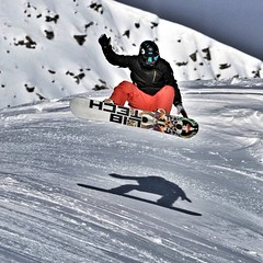 I like showing off my base while airborne, obviously.  Photo by @Maciej Zarzycki  #Hintertux #snow4life #snowboard #snowpark #kicker #jump #iamabouttocrash (Pantera and Mateusz) Tags: instagramapp square squareformat iphoneography uploaded:by=instagram hintertux snow4life snowboard