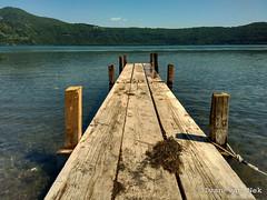 Lago Albano (Ivan van Nek) Tags: viaspiaggiadellago lagoalbano castelgandolfo lazio roma italia italy italië italien italie lake lac meer see steiger aanlegsteiger motorolaxt1068 motog2ndgen rome