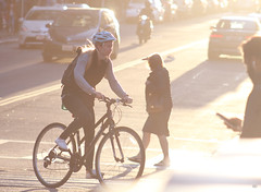 Sunset in the street (Mardoqueo Charuc) Tags: sunset sunsetcolors sunsets tramonto lecoucherdusoleil atardecer atardeceres street streetphotography lifestyle viking velo bicicleta people person