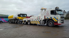 Volvo FM12 Front Suspending 8 Wheeler Fuel Tanker (JAMES2039) Tags: volvo fm12 tow towtruck truck lorry wrecker heavy underlift heavyunderlift 8wheeler 6wheeler frontsuspend tanker ca02tow scania cardiff rescue breakdown ask askrecovery recovery fuel
