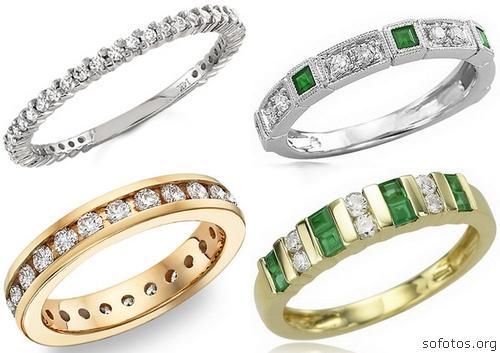 Anéis de noivado com pedras