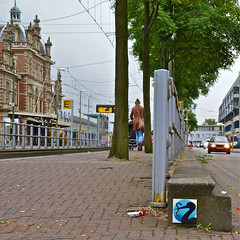 Tegel - Tile PZE (Akbar Sim) Tags: streetart holland netherlands tile nederland denhaag thehague stork tegel ooievaar agga pze akbarsimonse akbarsim