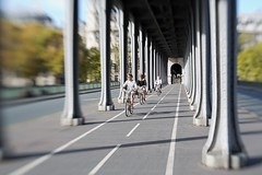 Paris in bike @Bir-Hakeim bridge (CreART Photography) Tags: street city travel light sunset shadow urban paris france color art abandoned love beautiful fashion seine lensbaby canon river dark photography movement model frankreich europa raw ledefrance picture streetphotography frana toureiffel francia parijs pars  parigi  sena birhakeim autofocus seineriver riosena laseine pary parys  pariis  excursionboats parizo rosena  fleuvefranais pars thephotographyblog creartphotography