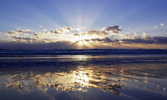 SunBurst - EXPLORED! Thank You :-) (Fotomondeo) Tags: sea sky espaa sun beach valencia sunrise reflections mar spain waves playa alicante amanecer cielo olas reflejos salidadelsol playadesanjuan nx1000 samsungnx1000