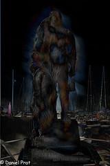 El fantasma del pescador (dapray) Tags: geostate geocountry pescador fantasma escultura muelle puerto fantasia botes mar arte artistico artistic digital marina marinero homenaje figura vilanova geltru garraf catalonia catalunya paint painterly