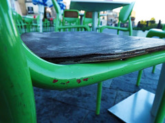 (Luca3803) Tags: table tables chair chairs italy green square oldtown wood relax legno centrostorico piazza tavoli tavolo sedie verde sedia italia