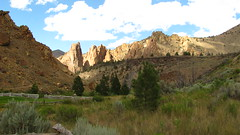 Smith Rock State Park (Anomieus) Tags: smithrockstatepark smithrock park oregon trip usa desert landscape dry scenic nature rockformation rock outdoor cliff crag valley crookedriver highdesert mountain mountains travel scenics sceniclandscape canyon