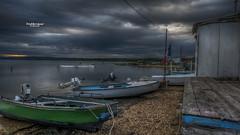 Il mio refugio... (Tra Te E Me (TTEM)) Tags: lumixfz1000 photoshop cameraraw aude gruissan bateaux boats pêcheurs cabanes drapeaux flag ciel sky nuages clouds sable sand
