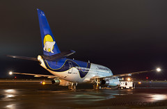 Stephen M. Fochuk Canadian North 737 C-GDPA (Stephen M. Fochuk) Tags: cgdpa canadiannorth nikond4 cyzf nwt yellowknife northwestterritories boeing737 nighttime night