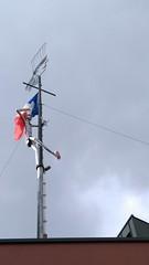Barbezingue (THEfunkyman) Tags: paris barbezingue restaurant chatillon faved drapeau flag