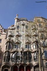 Casa Batll (pniselba) Tags: barcelona espaa spain passeig paseodelagracia passeigdegracia gracia antonigaud gaud gaudi casabatll casa batll batllo
