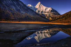 My Mirror (Ping...) Tags:      plateau shangrila snow mountain reflection light autumn foliage china