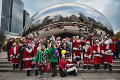 DSC_0976 (critter) Tags: santacon2016 santacon santa bean cloudgate millenniumpark christmas pubcrawl caroling chicago chicagosantacon artinstituteofchicago
