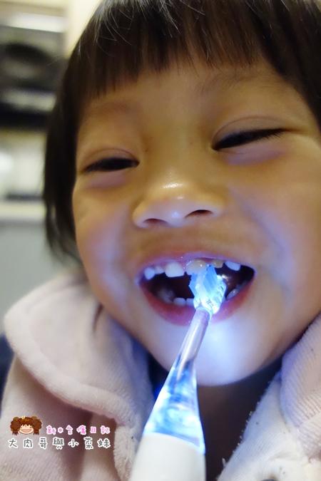 Combi teteo幼童電動牙刷牙膏 (10).JPG