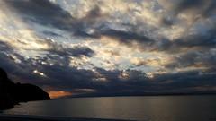 2016-12-03_07-16-39 (jumppoint5) Tags: clouds sea enoshima kamakura japan sunset rays light shadow