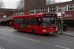Route 272, London United, DPS639, SK02XHP (Jack Marian) Tags: route272 londonunited dps639 sk02xhp dennis dart dennisdart plaxton pointer plaxtonpointer shepherdsbush chiswickgrovepark buses bus london