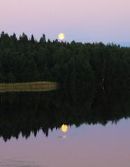 Super Moon at Lake Keskinen_2013_06_24_0032m1 (1) (FarmerJohnn) Tags: cloud moon lake reflection water night clouds canon suomi finland may super calm silence midnight moonlight vesi kuu y laukaa jrvi pilvi junemoon keskuu keskinen tyyni keskiy kuutamo valkola vedenpinta hiljaisuus lakesurface canon7d supermoon heijatus anttospohja superkuu juhanianttonen supermoon23th24thjune2013 ef1635l28iiusm