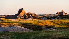 The Badlands, SD [6677] (josefrancisco.salgado) Tags: morning mañana southdakota nikon cielo nikkor badlandsnationalpark rockformation d4 70200mmf28gvrii 2013071726677