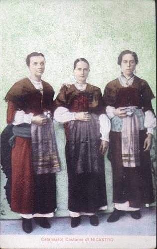 Nicastro Costumi Femminili