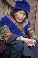 Langde village : Long Skirt Miao, portraits  #3 (foto_morgana) Tags: china portrait people outdoors asia embroidery character traditional guizhou ethnic portret hmong ethnicity traditionalculture headgear olderwoman minorities kaili traditionalclothing etnia ethniccostume traditionnel persoonlijkheid karakter traditioneel nomodelrelease ethnie caractre miaopeople minderheden longskirtmiao editorialonly etniciteit langdevillage