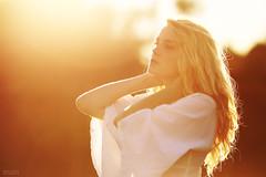 Little mis Sunshine (Bruno French Riviera) Tags: sunset portrait sun sunshine yellow sunrise soleil blonde nena contrejour mathilde brunofrenchriviera vision:sunset=0602 littlemisssunshibe