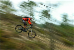 A tope (Zagato Burela) Tags: mountain bike club speed btt mtb ciclista montaa velocidad barrido compacta burela vision:mountain=0693 vision:sky=0512 vision:outdoor=0772