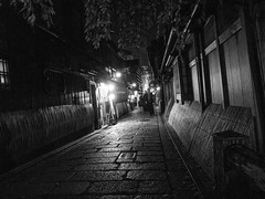 R0013834 (jam343) Tags: street bw monochrome japan night kyoto 京都 祇園 gion gr grd 白川 gr3 grd3
