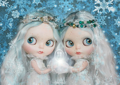 Custom Commission for Adoption : Elsa and Anna.