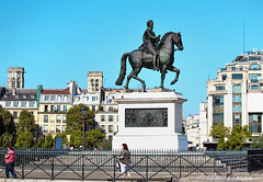 Equestrian statue of Henry IV (dorameulman) Tags: paris france monument statue fence cityscape streetscape streetshot fencedfriday dorameulman equestrianstatueofhenryiv
