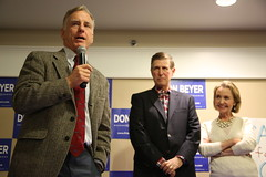 """Howard Dean Rally • <a style=""""font-size:0.8em;"""" href=""""http://www.flickr.com/photos/117301827@N08/14046843600/"""" target=""""_blank"""">View on Flickr</a>"""